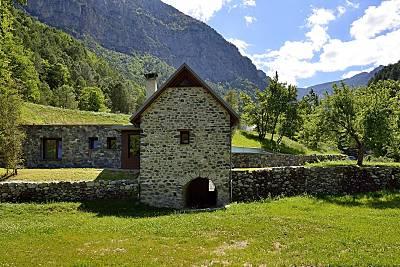 2 Casas junto al Parque Nacional de Ordesa  Huesca