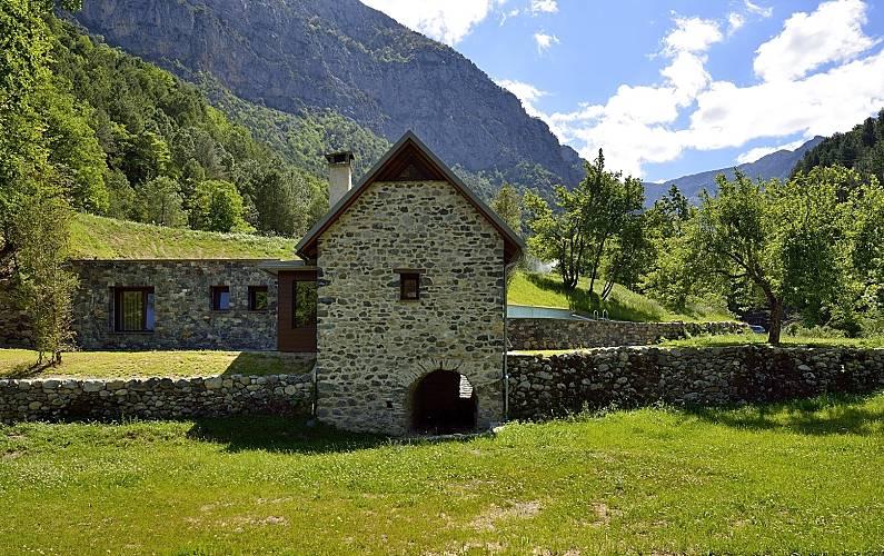 2 Houses with private garden Huesca - Garden
