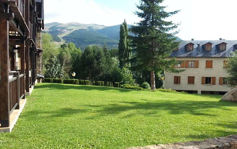 Apartment Garden Huesca Benasque Apartment - Garden
