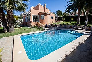 Villa with 3 bedrooms 2 km from the beach Alicante