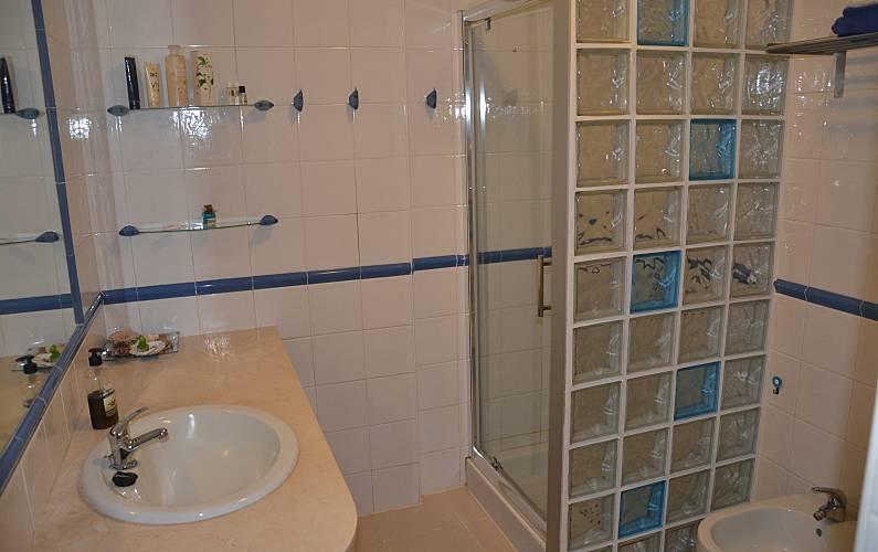 Wohnung mit 1 zimmer 200 meter bis zum strand costa del - Badezimmer franzosisch ...