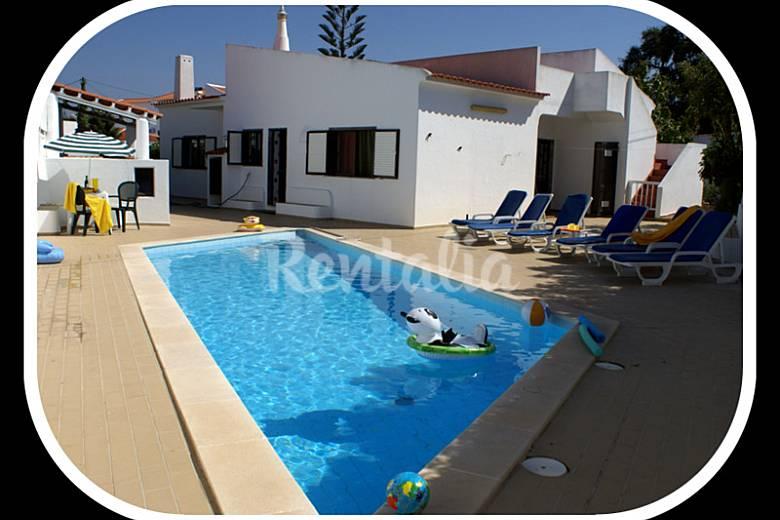 Vila T3 , Piscina Privada , perto da praia Algarve-Faro