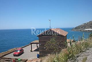 Villa for 6-12 people only 30 meters from the beach Granada