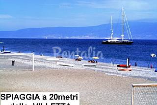 Villa with 4 bedrooms on the beach front line Messina