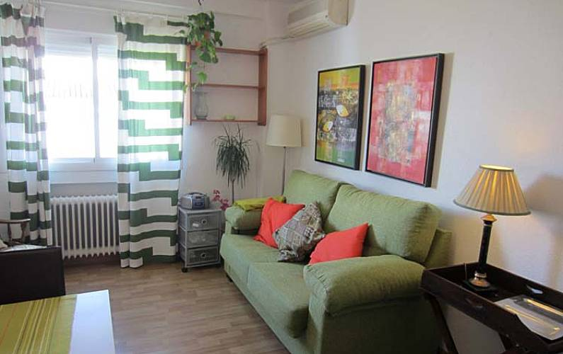 Apartment For Rent In The Centre Of Madrid Living Room