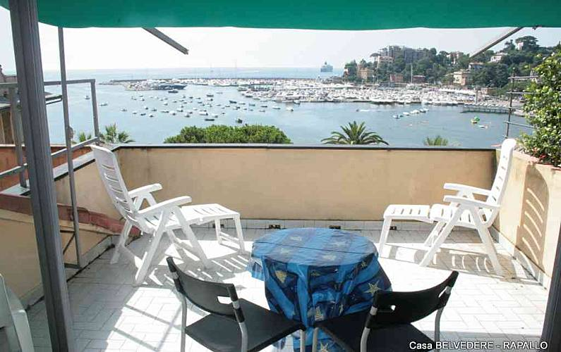 Belvedere With Terrace Only 50m From The Beach Rapallo