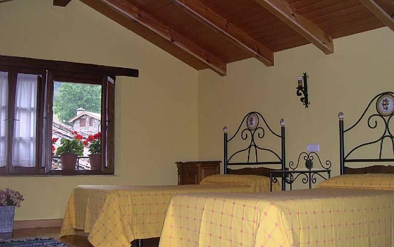 Casa Habitación León Posada de Valdeón Casa en entorno rural - Habitación