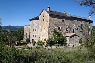 Antigua casa fortaleza, jardín privado Huesca