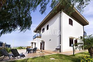 Villa for 2-4 people 2.5 km from the beach Trapani