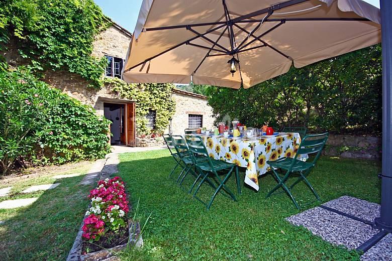 I Mandorli: villa di campagna con piscina Arezzo