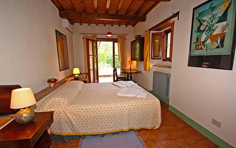 I Camera Arezzo Cortona Casa di campagna - Camera