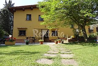 Casa en alquiler con jardín privado (WIFI Gratis) Florencia