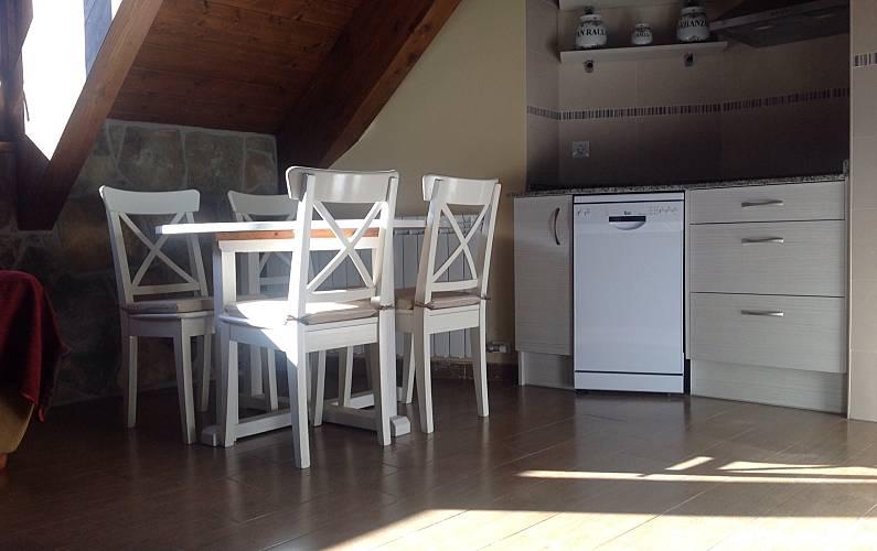 2 Kitchen Huesca Sallent de Gállego House - Kitchen