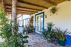7 Apartamentos para 20-21 pessoas a 2 km da praia Beja
