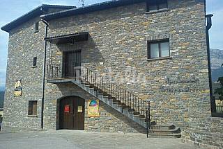 4 Apartamentos en El Pueyo de Araguás de 2 y 4 pax. Huesca
