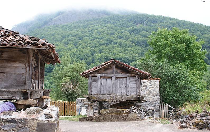 Casa Alrededores León Posada de Valdeón Casa en entorno rural - Alrededores