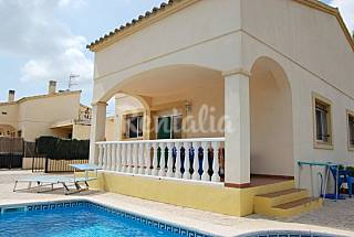 7 Houses and 8 Bungalows for rent only 200 meters from the beach Tarragona