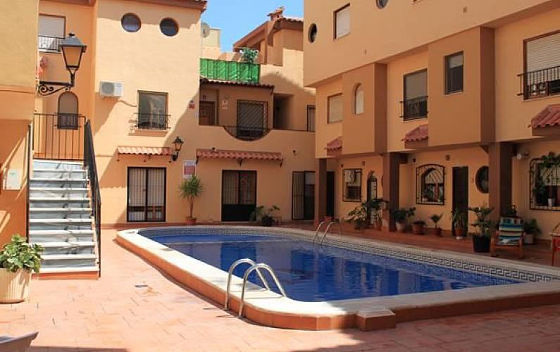 Apartamento de 1 dormitorio con piscina torrevieja for Piscina torrevieja