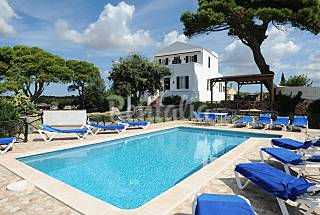 Villa for 8-13 people 5 km from the beach Minorca