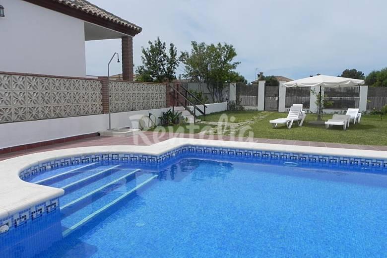 Casa paqui con piscina privada en conil conil de la frontera c diz costa de la luz - Apartamentos en conil con piscina ...