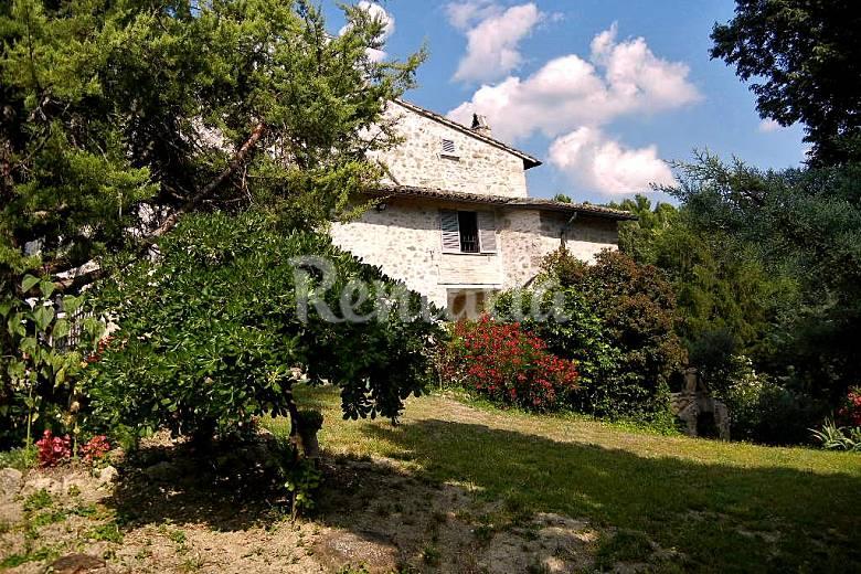 Casa in affitto con giardino privato assisi perugia - Affitto appartamento perugia giardino ...