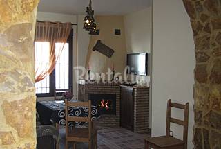 Apartment with 12 bedrooms in Fuentes de León Badajoz