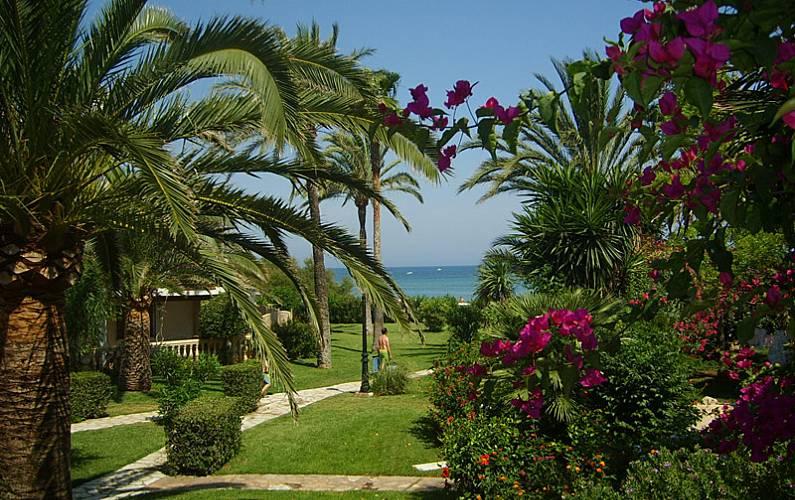 Bahia azul denia 1 linea playa 2 y 3 dormito d nia for Jardin 935 bahia blanca