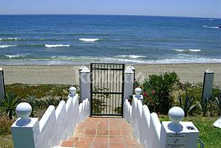 1st line to only 10 meters from the beach Málaga