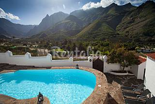 Holiday House and mountain views Gran Canaria