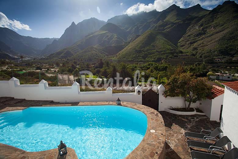 Holiday House and mountain views Gran Canaria