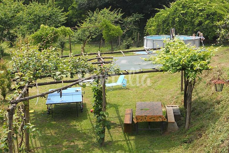 Casa per 4 7 persone a veneri veneri pescia pistoia - Giardino di campagna ...