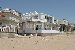Apartment for rent on the beach front line Ragusa
