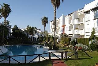 Bajo con amplios jardines a 800m de la playa Cádiz