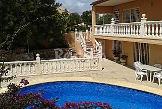Chalet vallado con piscina privada para 8/9 person Alicante
