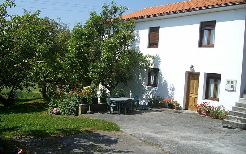 Casa para 6 8 pessoas a 4 km da praia guemes bareyo - Guemes cantabria ...
