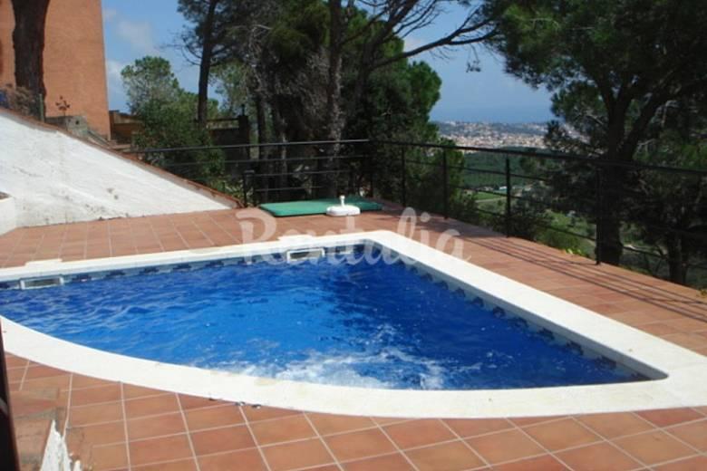 Villa nova view avec piscine jacuzzi superbe vue casa for Piscine avec jacuzzi