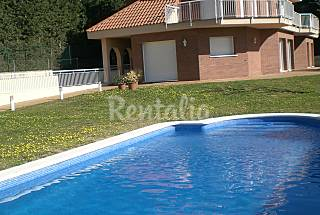House for rent 1.8 km from the beach Barcelona
