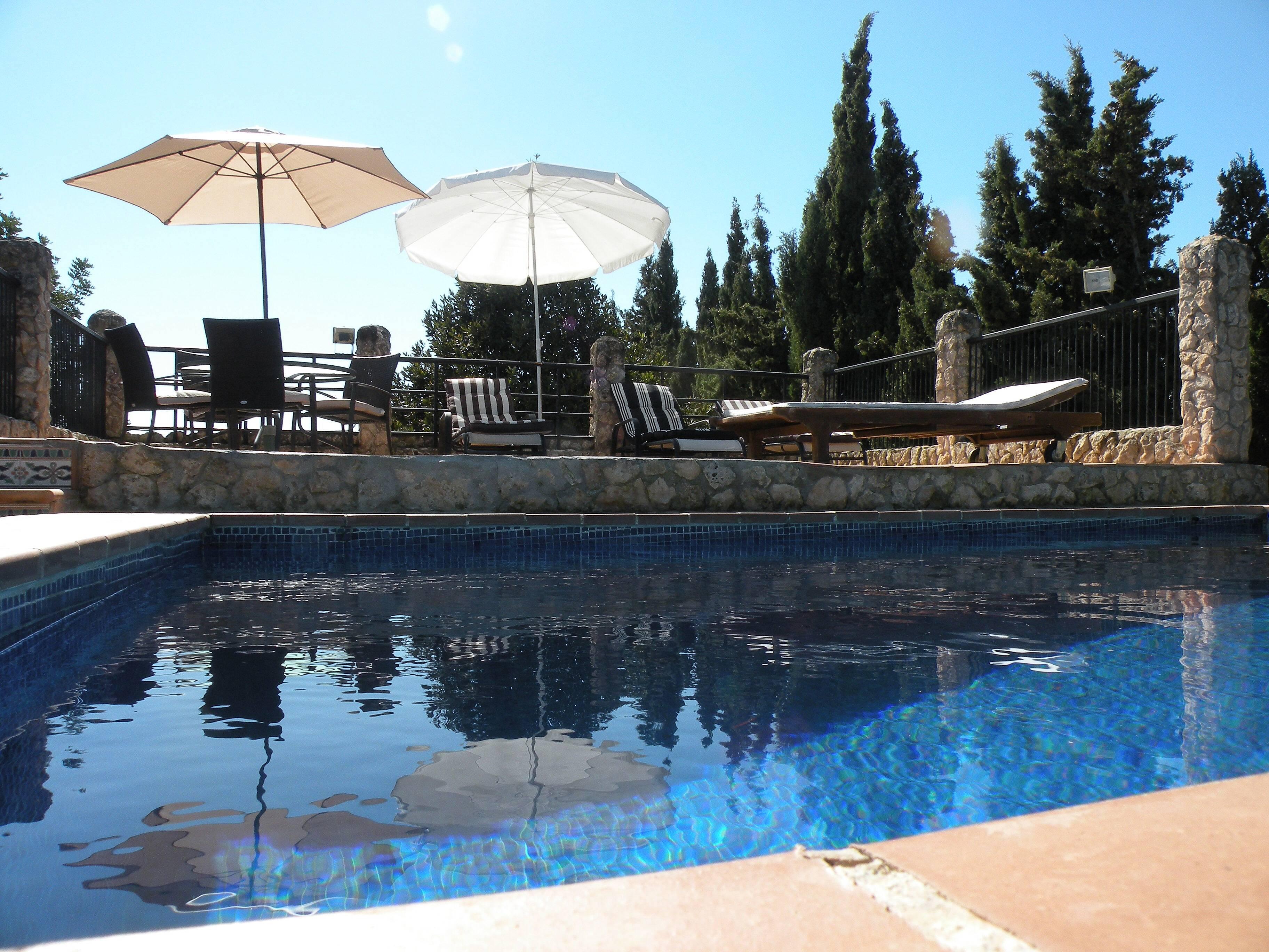 Casa de 4 habitaciones con piscina son ferriol palma de - Piscinas palma de mallorca ...