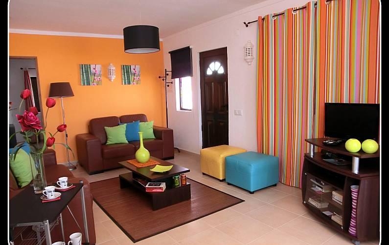 Villa para 4 personas a 1 5 km de la playa guia for Salon jardin villa esmeralda tultitlan