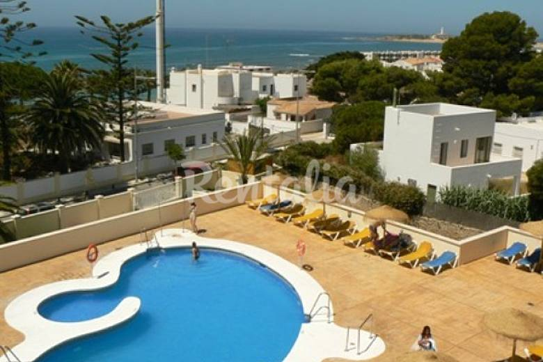 Ca os de meca apartamentos 60 m playa piscina los for Piscina trafalgar