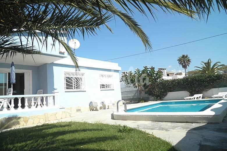 Mooi huis met zwembad aan zee vinar s castell n castell n costa del azahar - Buiten villa outs ...