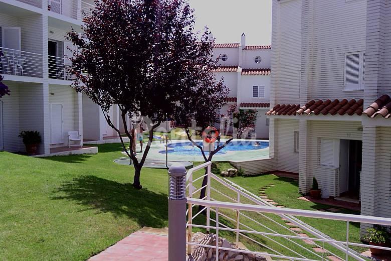 Apartamento en alquiler a 50 m de la playa altafulla for Apartamentos jardin playa larga tarragona