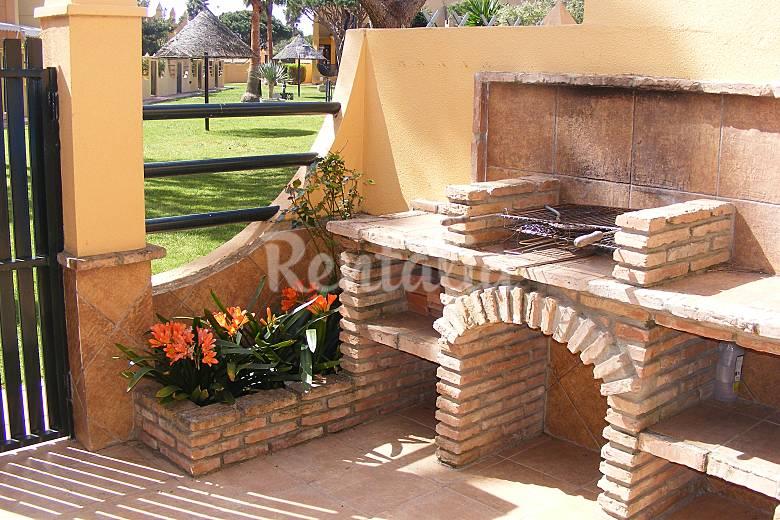 Casa adosada con piscina a 400 m de la playa sancti - Barbacoas para terrazas ...