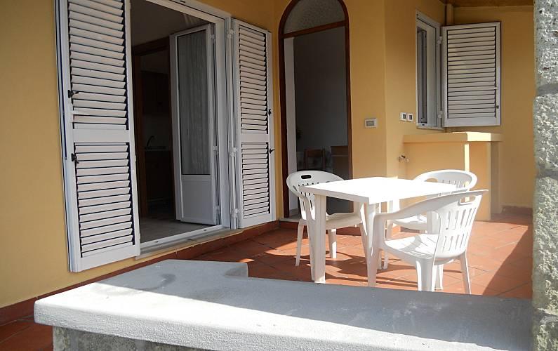Casa con 2 camere da letto a 1200 m dalla spiaggia - Ischia ...