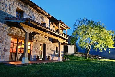 Casa en alquiler con jardín privado Cantabria