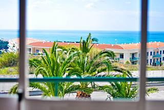 Apartamento com vista de mar a 900 m da praia Lisboa