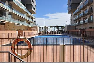Apart. en Barcelona-Badalona con piscina y parking Barcelona