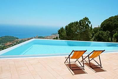 Villa en alquiler a 2 km de la playa Girona/Gerona