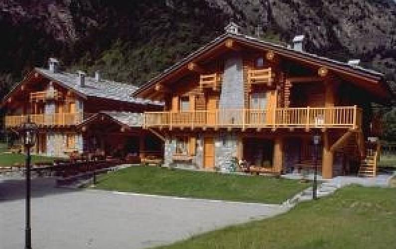 appartamento in affitto con giardino privato - antey-saint-andrè (aosta)