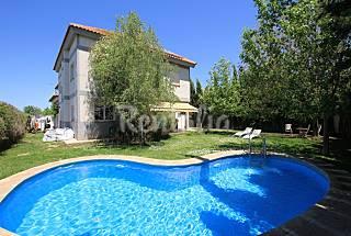 Villa Alboran. Priv. Garden, pool, wifi, sleeps 15 Granada